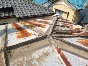 東京都江戸川区 H様邸 ガルバリウム鋼板タテ平葺き 屋根葺き替え工事 棟板金剥がし