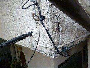 千葉県市川市Y様邸 外壁塗装工事 施工中・クラックをコーキング補修