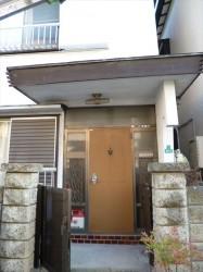 東京都江戸川区 S様邸 ガルバリウム鋼板タテ平葺き(シージングボード下地)屋根葺き替え工事 庇の屋根が傾いています